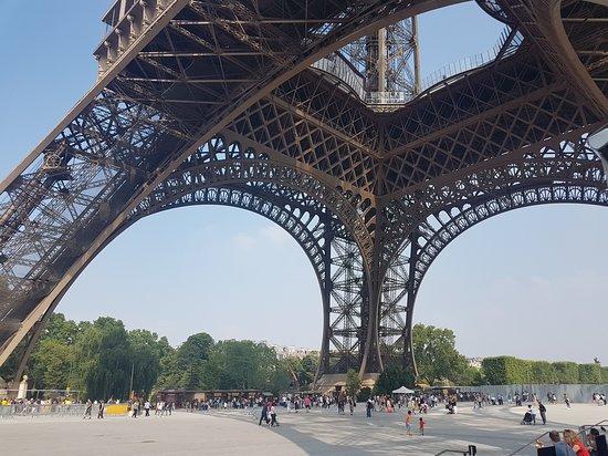Eiffel Tower: NIce