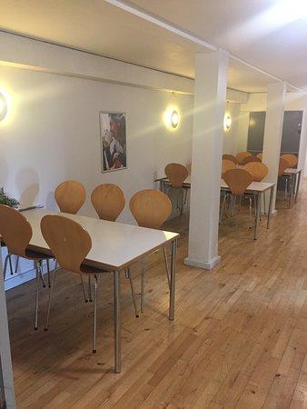 Danhostel CopenHagen Bellahoj: shared kitchen, dining hall
