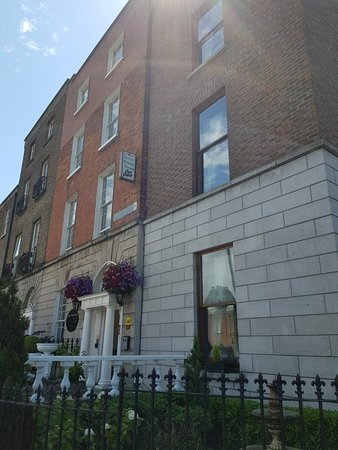 Leeson Bridge Guesthouse: 20180626_141235_large.jpg