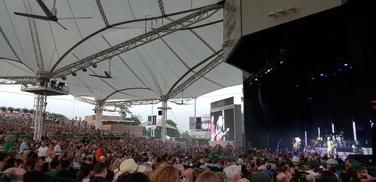 Cynthia Woods Mitchell Pavilion: Chicago and Reo Speedwagon Concert