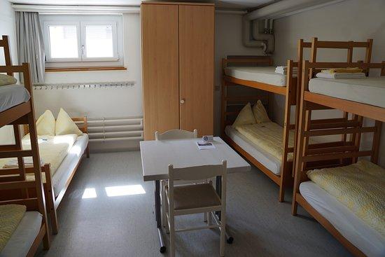 Eckstein: Mehrbettzimmer mit Gemeinschaftsbad