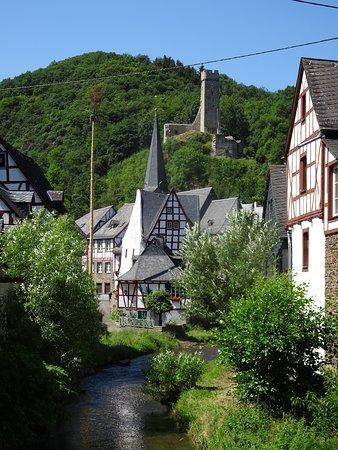 Monreal, Tyskland: Elzbach