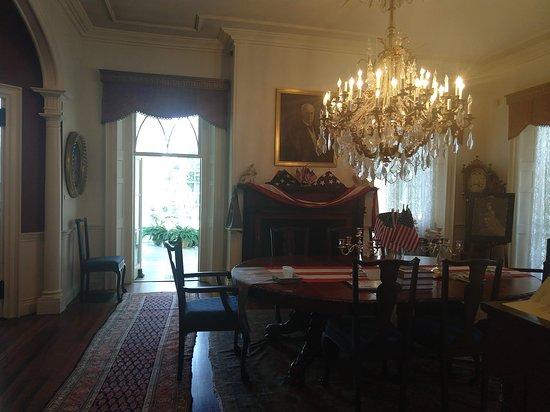 Linden Place Mansion: Dining Room