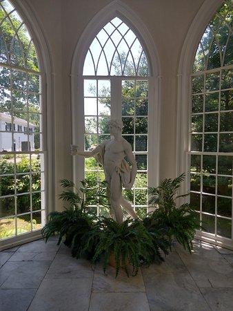 Linden Place Mansion: Conservatory
