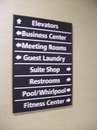 Hampton Inn & Suites Savannah - I-95 S - Gateway: Hotel Amenities Signage