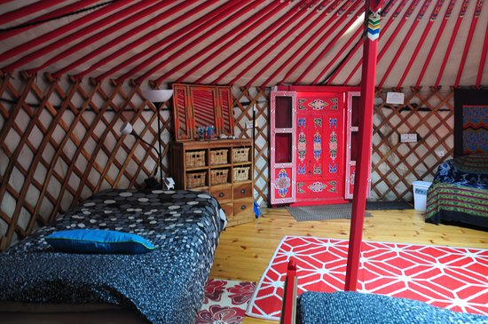 Cabot Shores Wilderness Resort and Retreat: Big Red Yurt