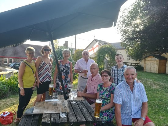 The Castle Inn: Great night at the Castle Landkey for my sisters 60th birthday. Excellent food as always,