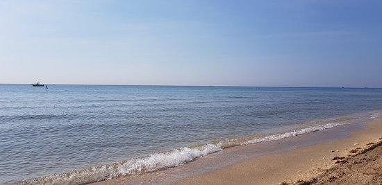 Es la segunda vez que elegimos este lugar, por su ubicación sobre el mar, por su tranquilidad, la amabilidad y más