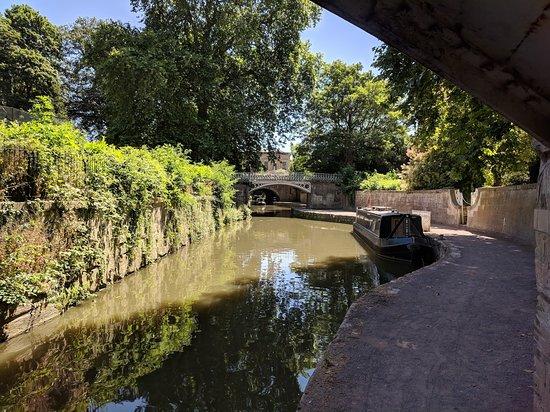 Pulteney Cruisers: Kennet & Avon canal