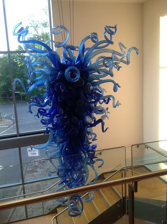 New Britain Museum of American Art: Dale Chihuly