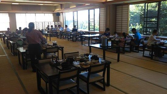 Sun Onogami: 大食堂です。(夕食・朝食)