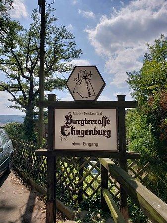 Gaststatte Burgterrasse Auf Der Burg Clingenburg: Sign at the entryway