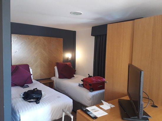 Roomzzz Leeds City West: 20180630_114639_large.jpg