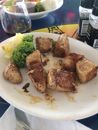 Surf Rider Restaurant: tuna bites grilled....no spice added