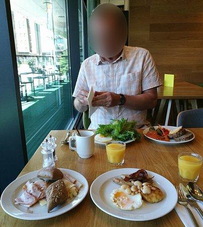 Holiday Inn Helsinki City Centre: Breakfast