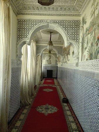 Palais Chahramane: Corridoio