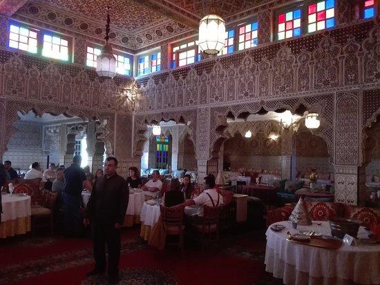 Palais Chahramane: Sala
