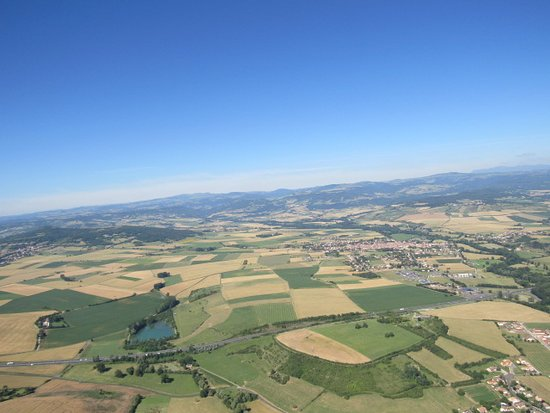 First Flight in Autogyro in Auvergne: le patchwork des cultures