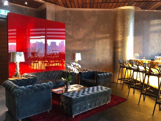 99 Sushi Bar & Restaurant: Interior