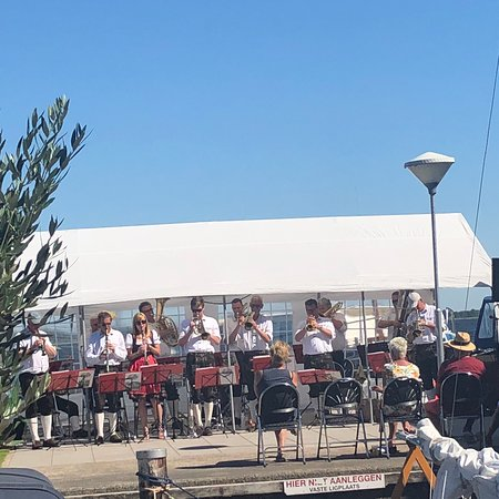 Oude Wetering, Holandia: Had a day with band.. funny place but windy