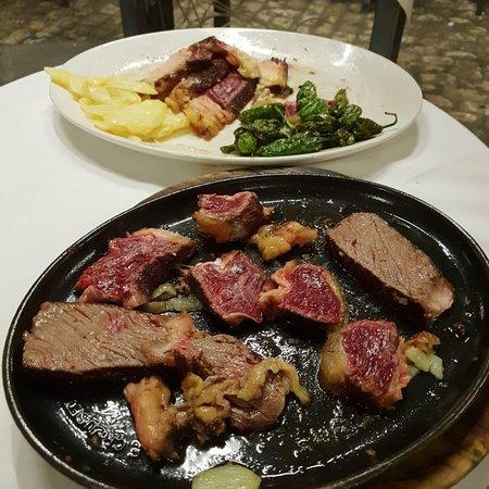 El Soportal: Bello. Posto turistico ma carne buona!