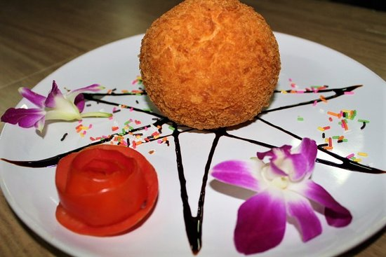 Andaman Aussie Steak and Seafood: Deep Fried Ice Cream Ball