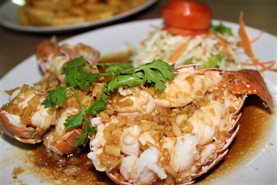 Andaman Aussie Steak and Seafood: Lobsters with garlic sauce