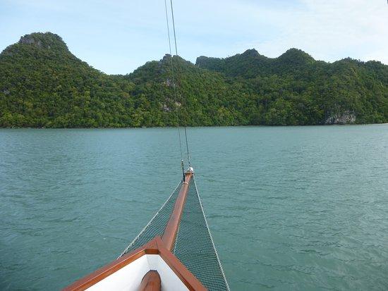 Damai Indah A Day in Paradise: Boot