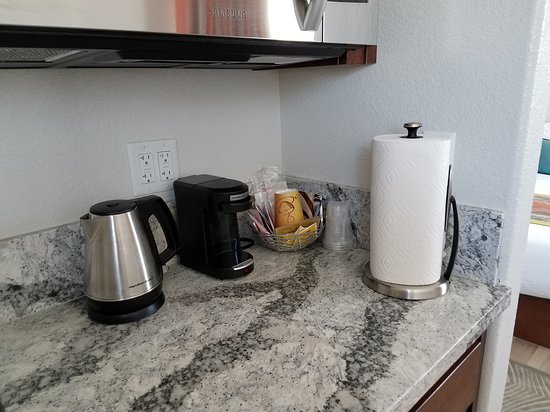 Shoshone, CA: In all the kitchenette's we have coffee maker, kettle and coffee supplies