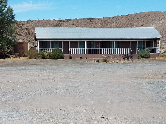 Shoshone, CA: This is the Old Timers all rooms here are King rooms with a pullout twin.