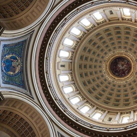 ウィスコンシン州会議事堂 picture of wisconsin state capitol