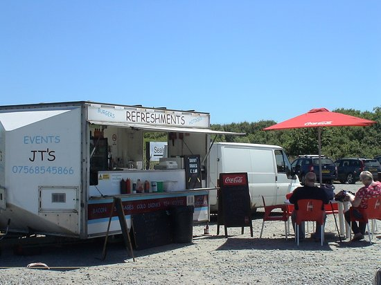 Horsey, UK: at the car park you can get some lovely hot and cold food and drinks after the walk on the beach