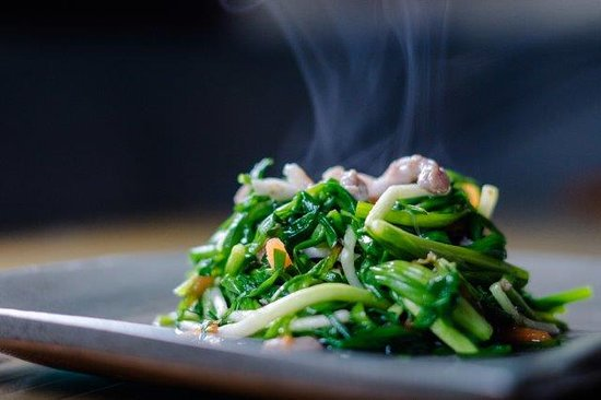 Tai Yar Grandma's: 炒山珠蔥 - Stir-fried Shallot Stem