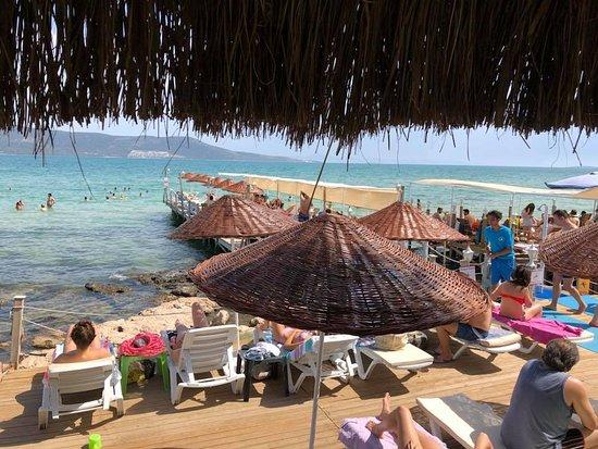 Filika Beach Club
