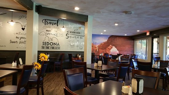 TC's Bar and Grill: indoor seating 2