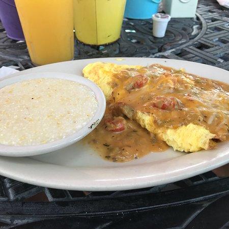 Buttercup Restaurant: The crawfish omelet was absolutely delicious!
