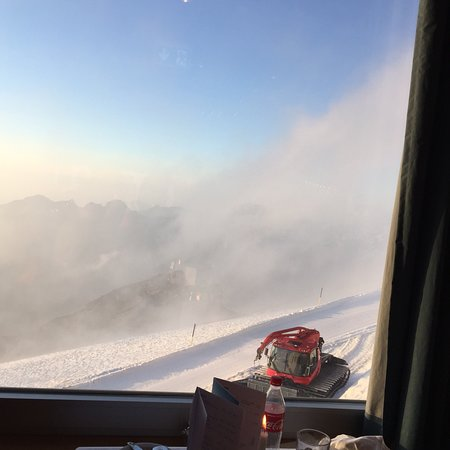Mount Titlis: Romantischer Fondueplausch bei Vollmond