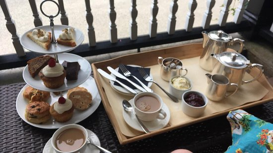 Llangammarch Wells, UK: Some of our afternoon tea. Glorious