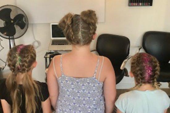 Hatherleigh, UK: Wedding hair Up Girls