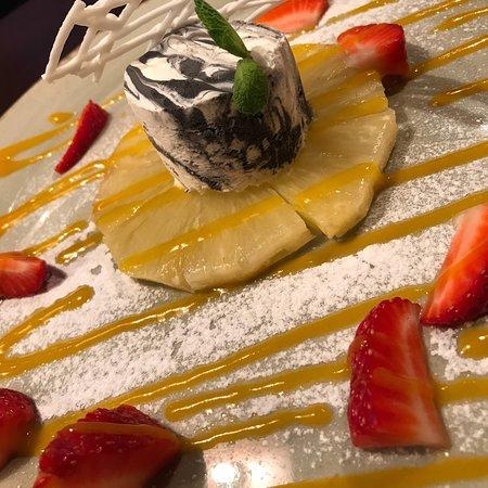 Элли Грин Паб: Мороженое лакомство «Marbelle» с кусочками спелых фруктов, 150гр. 320 руб