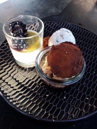 De Kloveniersdoelen B.V: Bramen dessert