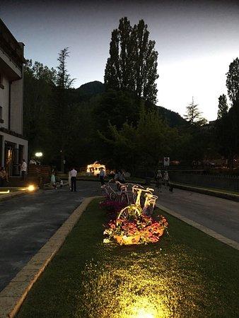 Roseo Euroterme Wellness Resort: Uno scorcio dell'esterno al tramonto