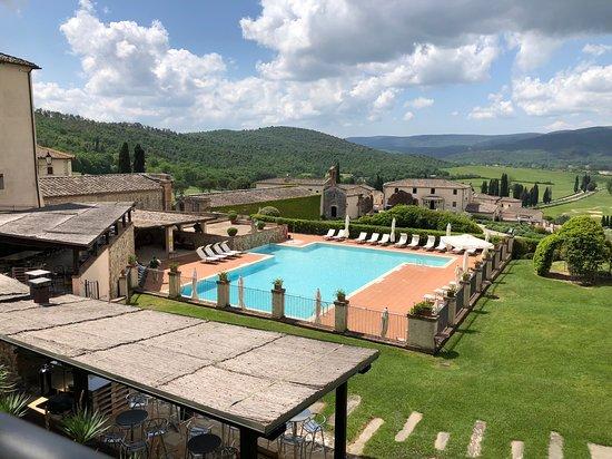 Bagnaia, Italy: Piscina non bella come la termale all'aperto della spa