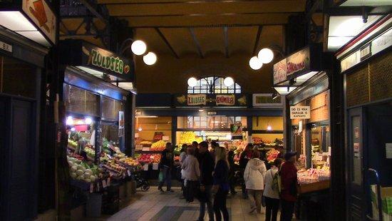 Central Market Hall: esperienza di gusti e sapori