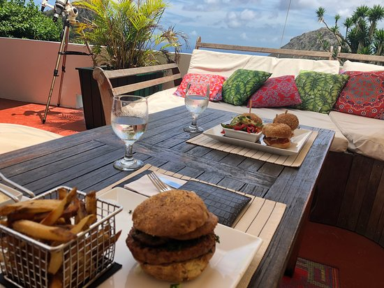 The Bottom, Saba: Delicious Veggie Sandwich and Sandwich trio