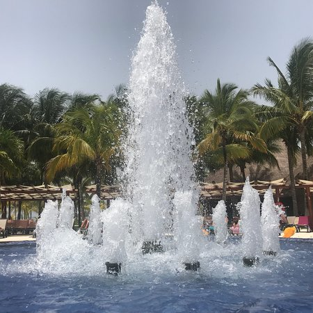 Barcelo Maya Caribe: Great hotel, great staff, great facilities - I'm here and living every min