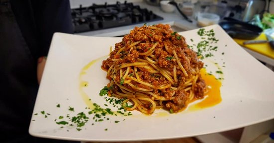 Linslade, UK: Our 8 h slow cooked pork and beef ragu