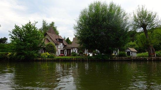 Autheuil-Authouillet, França: Randonn'Eure