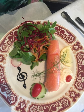 Lisnaskea, UK: Salmon starter