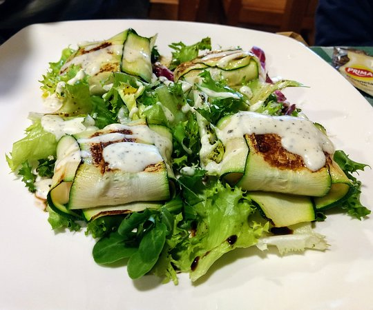 Casa Alongos: los calabacines rellenos, con queso